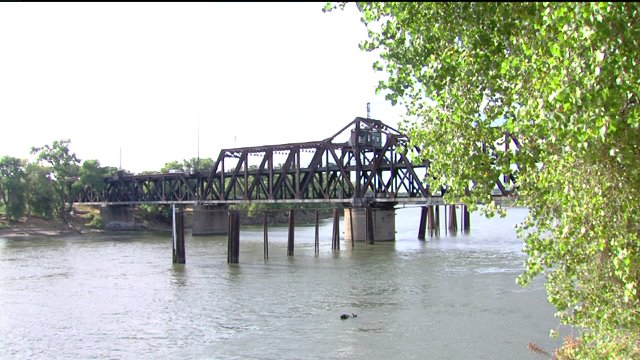 Community Throws Support Behind New I Street Bridge Project