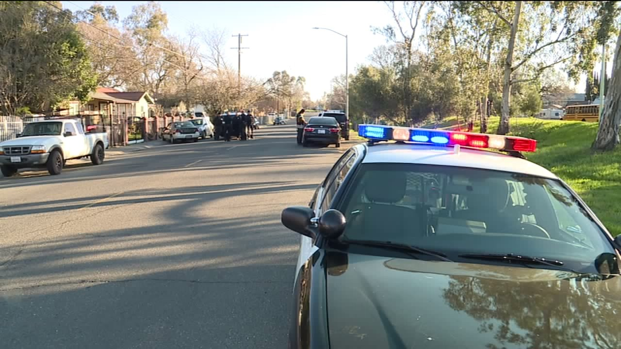 Stolen car chase ends in North Sacramento neighborhood; police searching for driver