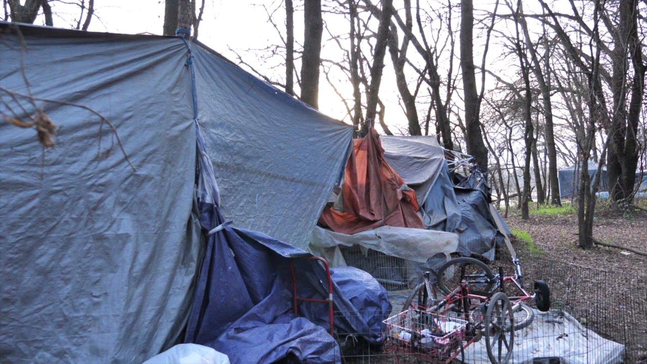 Sacramento City Council votes to ban camping along levees