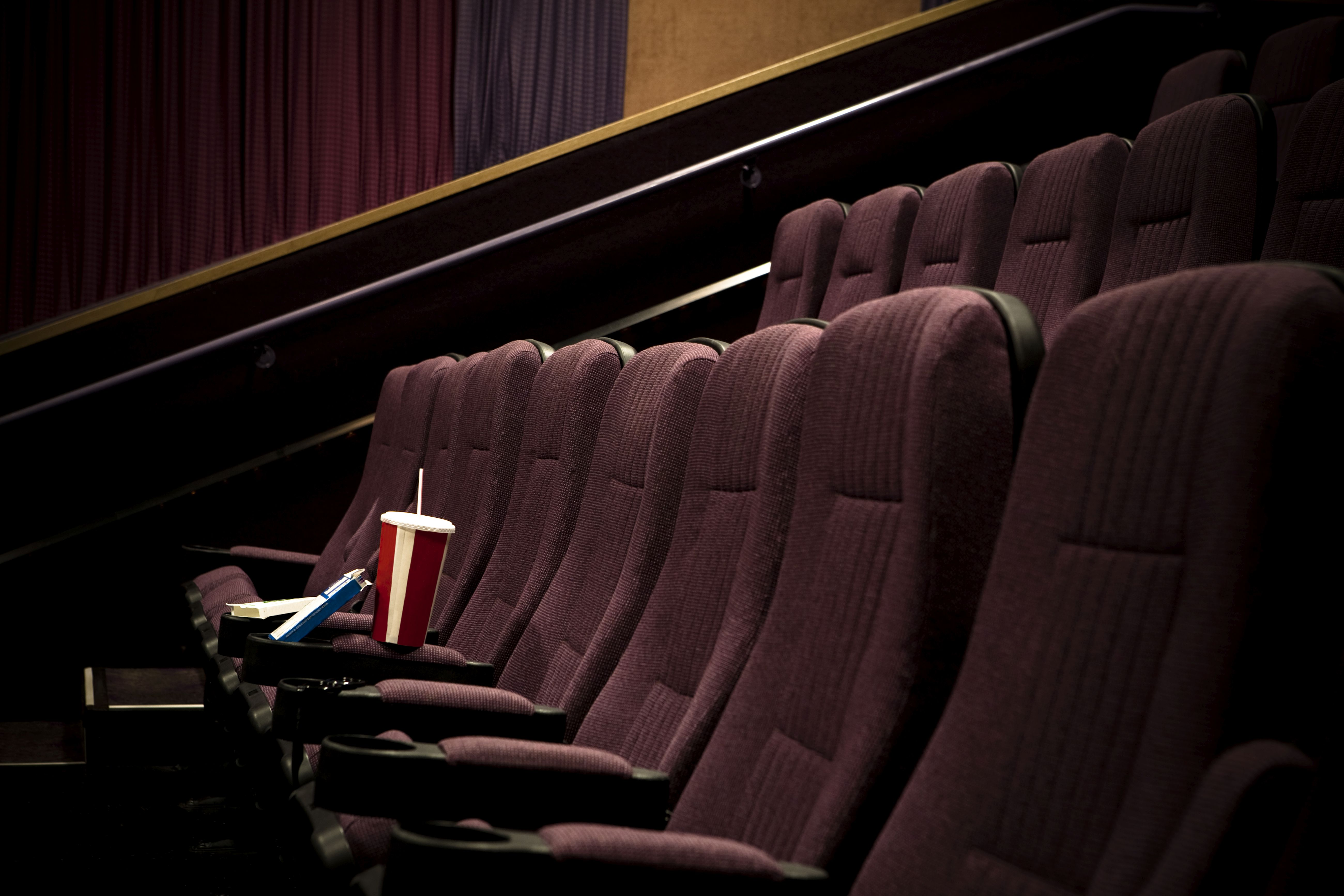 Movie Theaters For Now Stay Open Nationwide Fox40